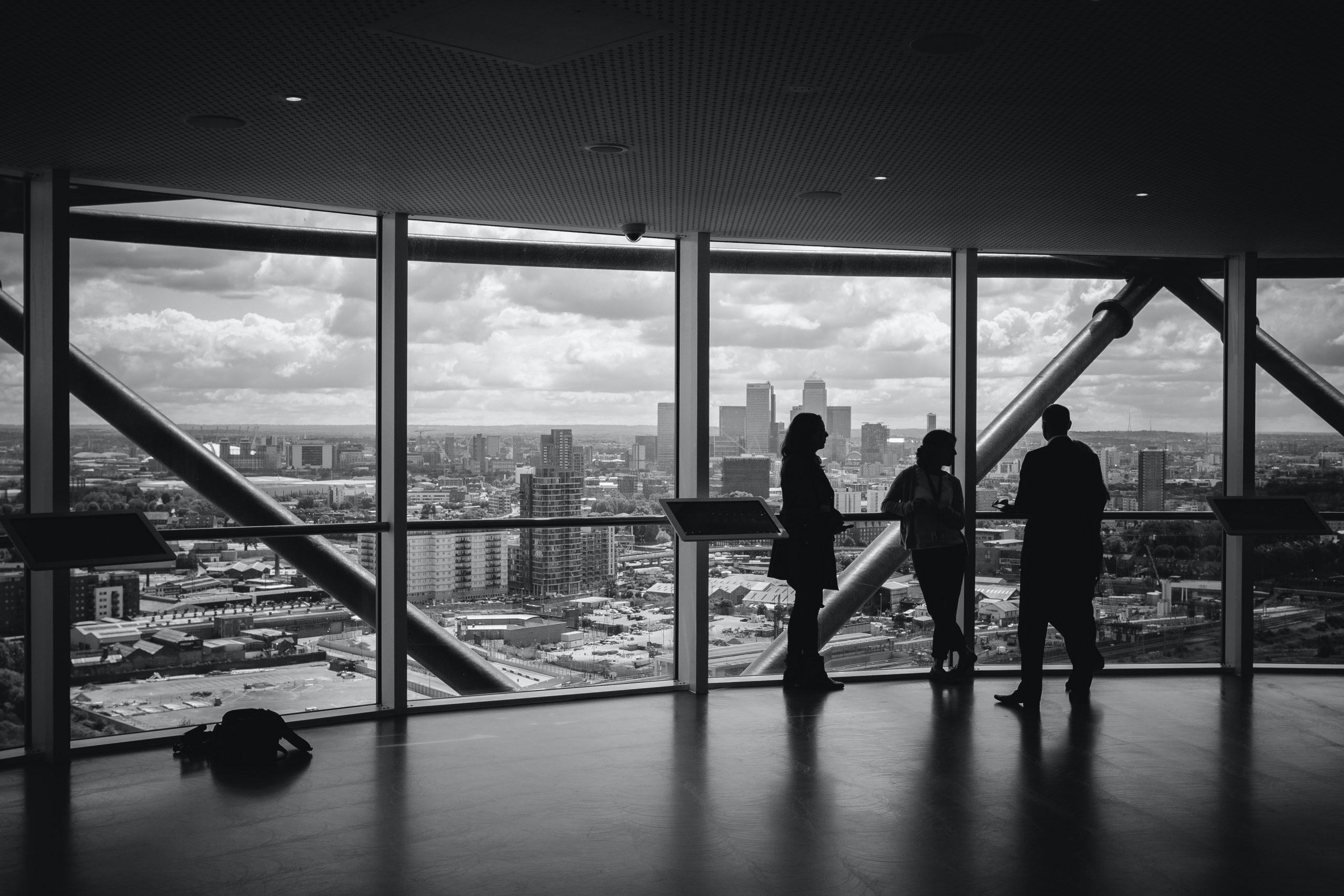 EM is calling – « Communication interne et managériale : comment maintenir l'engagement des collaborateurs en période de crise du Covid ? » avec Brigitte Cachon, Directrice Communication, Innovation et RSE du groupe Orpea<